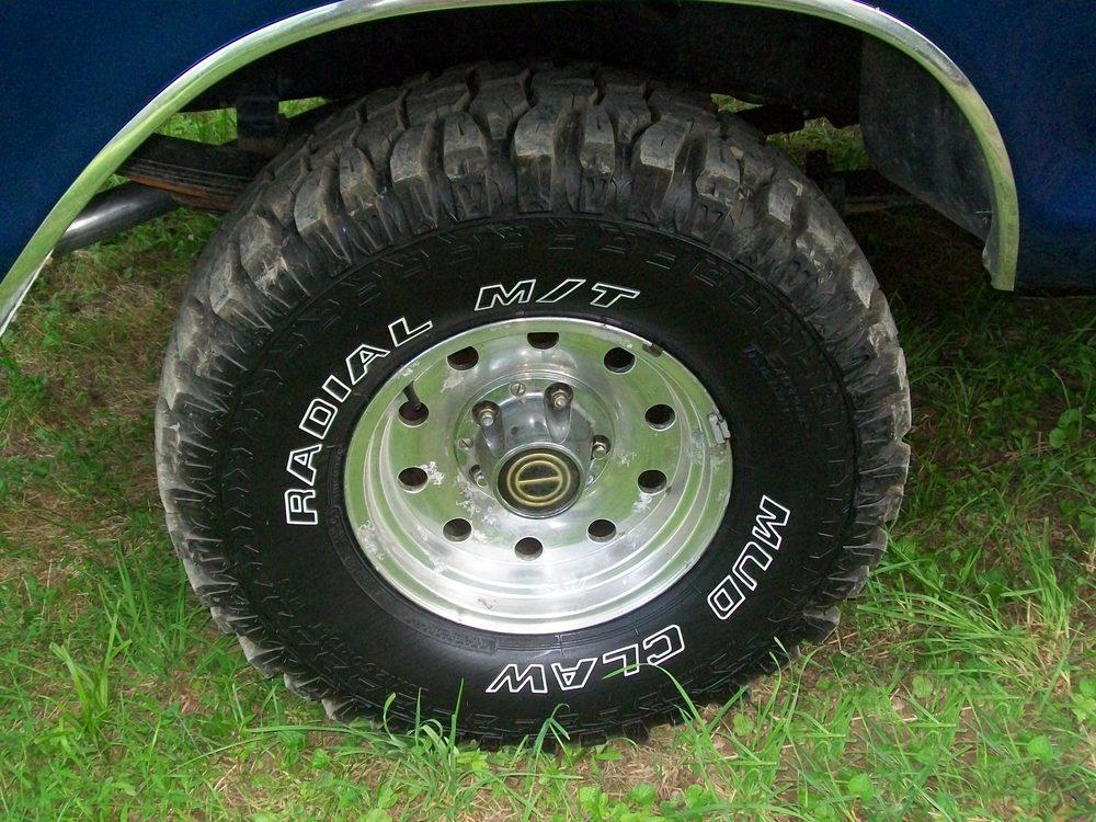 1979-Ford-F150-tire.jpg