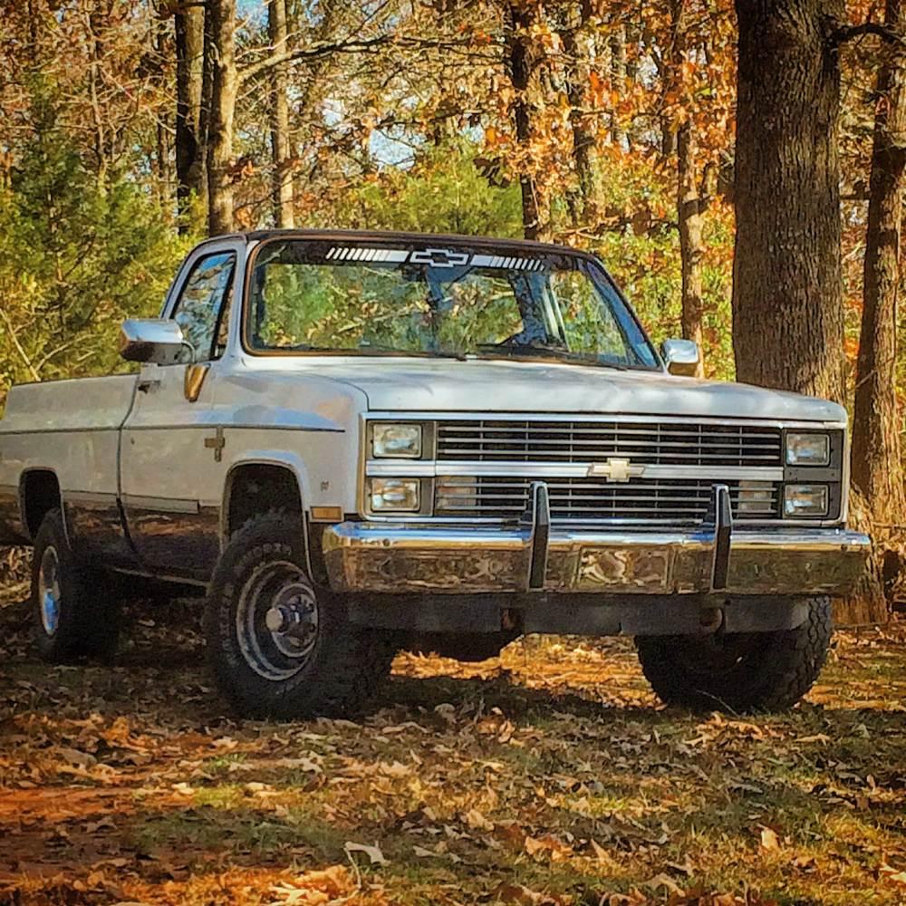 1984-Chevy-K10-Silverado-side.jpg
