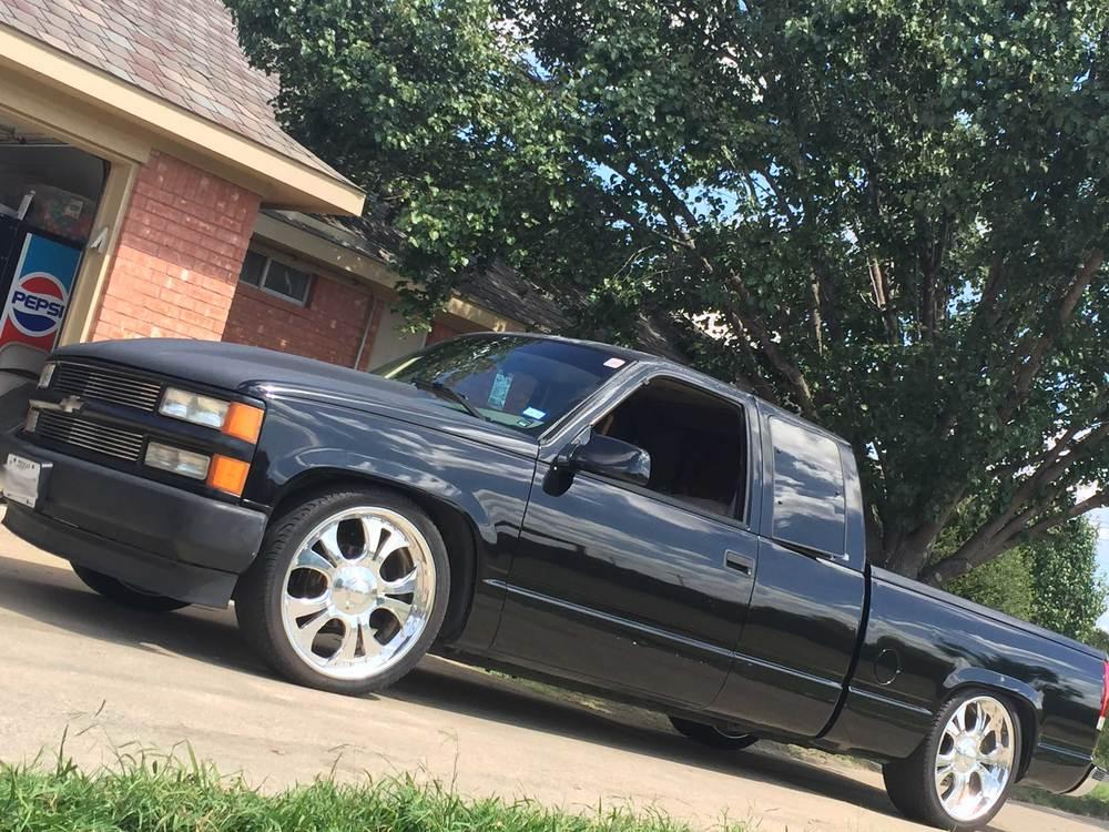 1998-Chevy-C1500-side.jpg