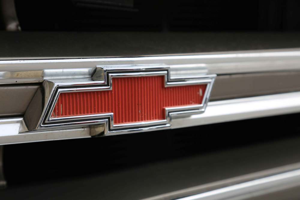 1968-Chevrolet-C10-badge.jpg
