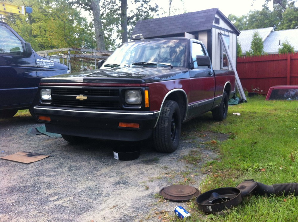 1992 Chevy S10 front.jpg