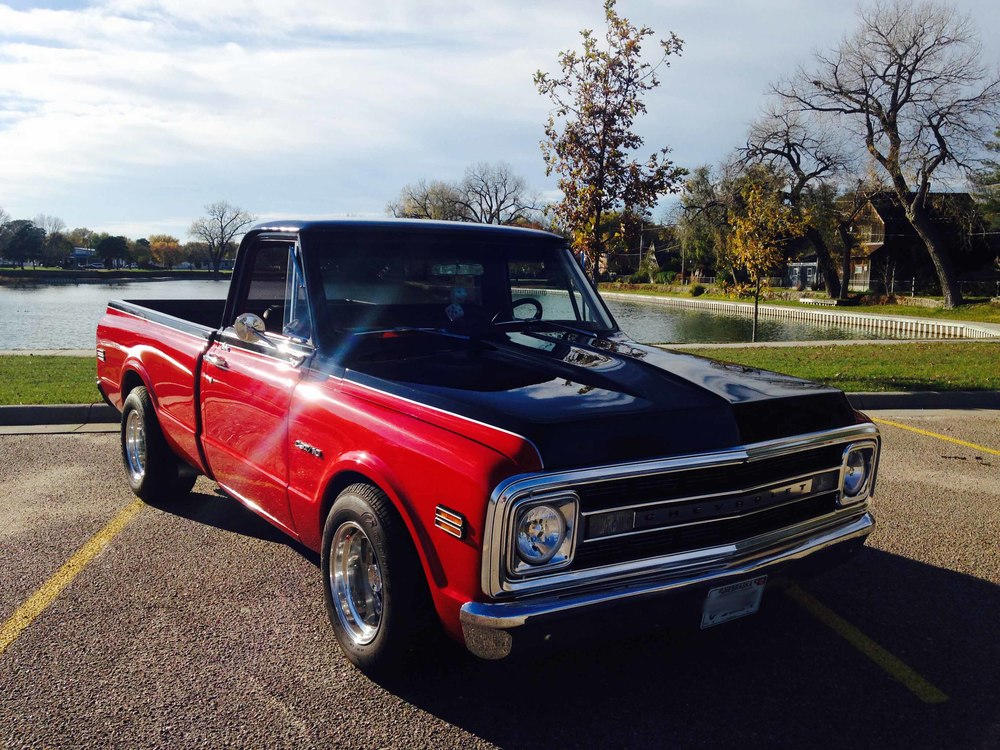 1969 Chevy C10 front.jpg