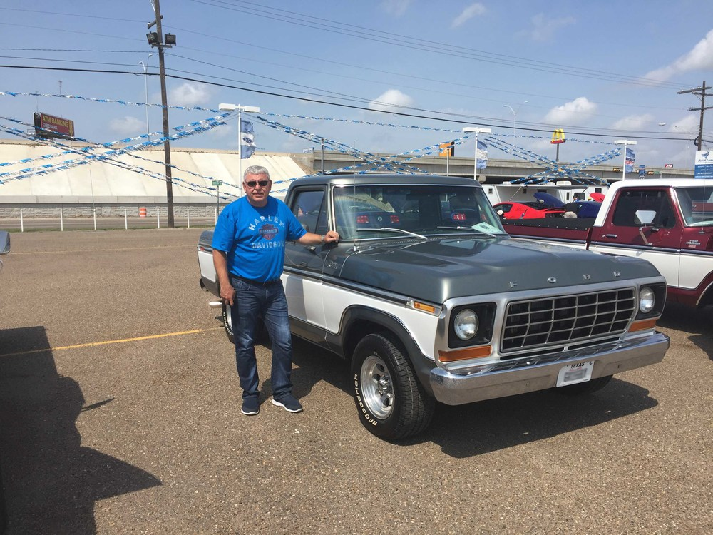 1978 Ford F100 front.jpg