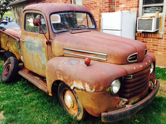 1950 Ford F1 front.jpg