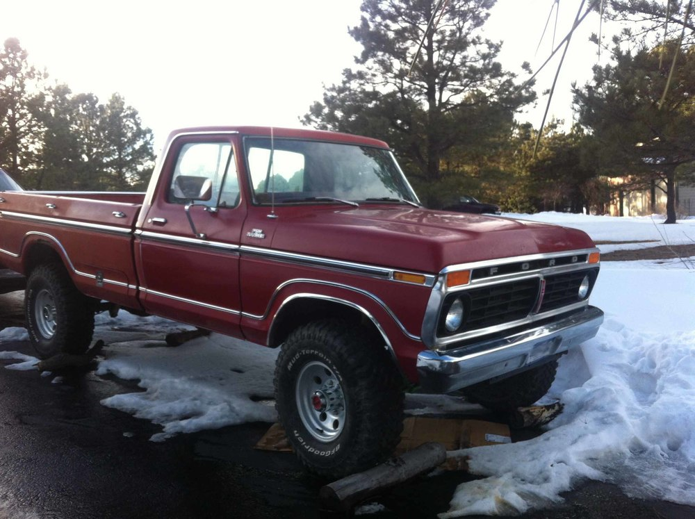 1974 Ford F250 front side.jpg
