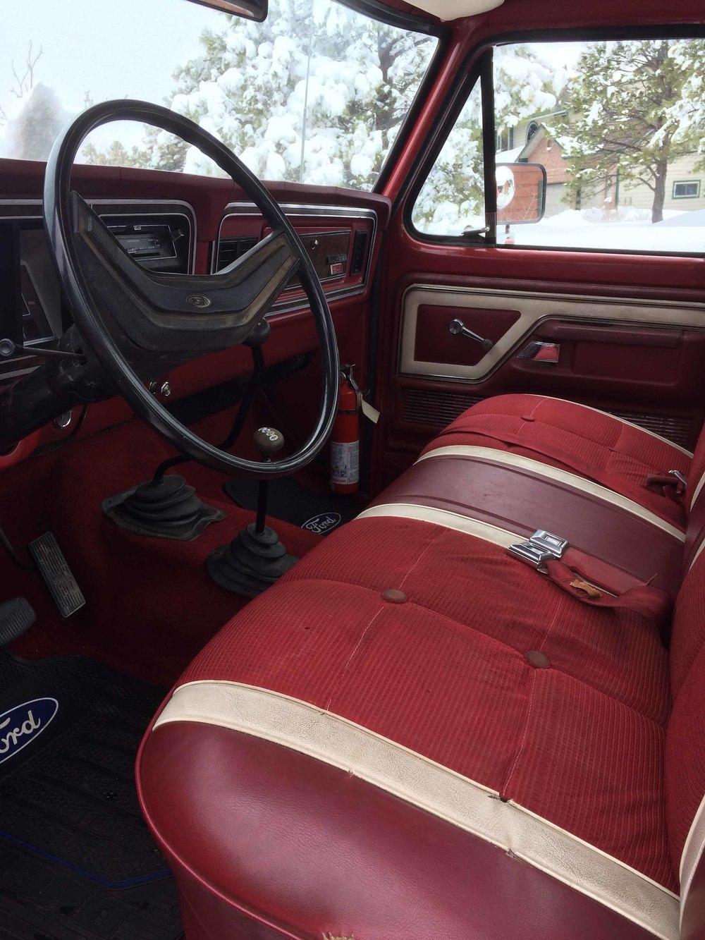1974 Ford F250 interior.jpg