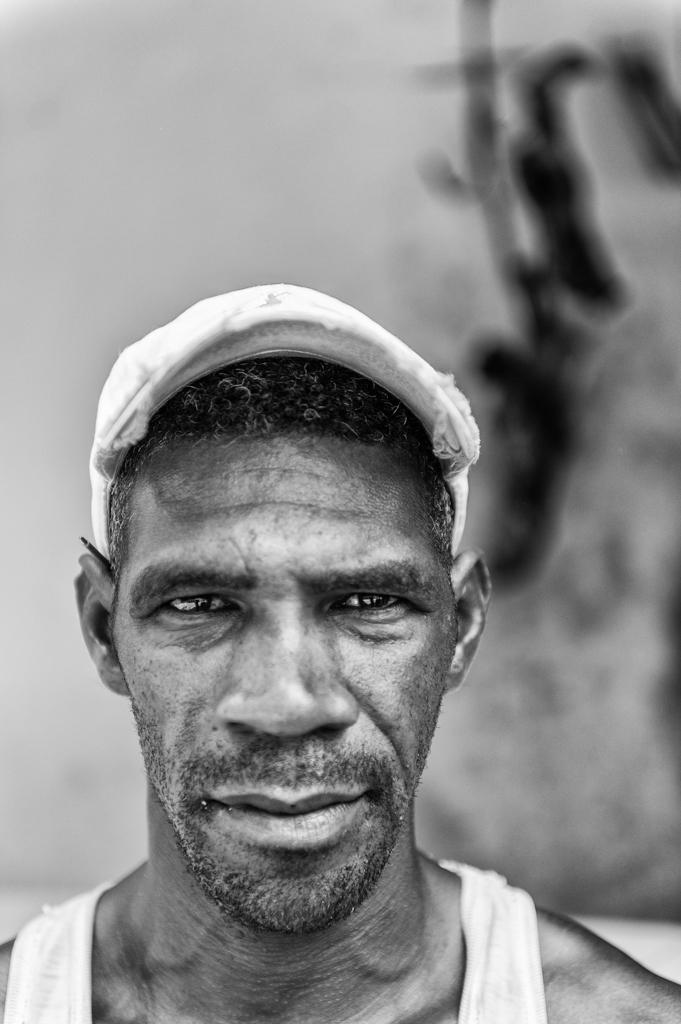 """""""El hombre"""" - Havana, Cuba"""