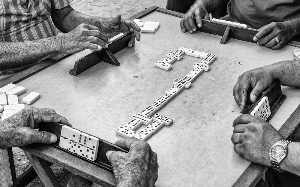 """""""El juego"""" - Havana, Cuba"""
