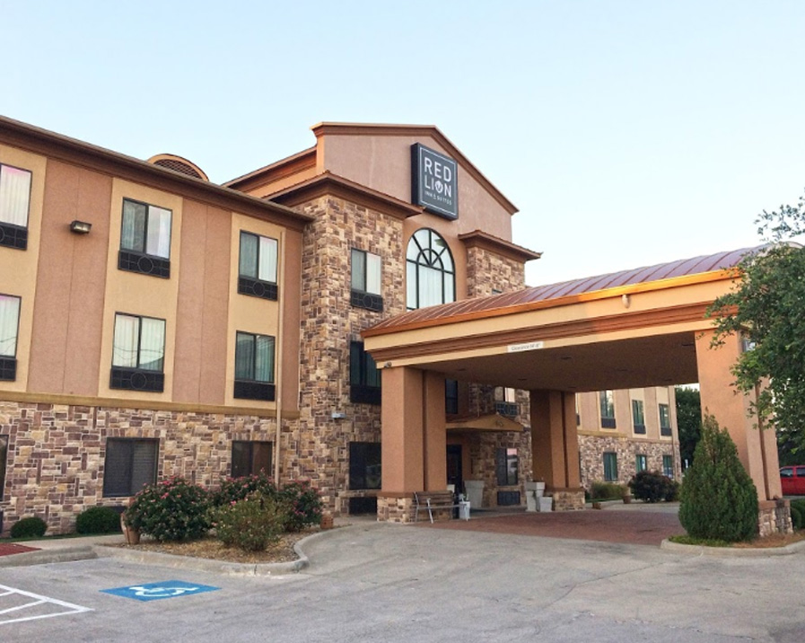 Red Lion Inn & Suites Mineral Wells - The hotel is centrally located near many attractions. We are within one mile of the Clark Gardens Botanical Park, Willow Lake Gardens, Vietnam War Museum, and the Old Historical Baker Hotel. Spend the day with your family at our outdoor pool and or at the Mineral Wells State Park or we are 45 miles from Possum Kingdom Lake. With many unexpected amenities, we invite you to stay at our premiere hotel with traditional Texas hospitality.