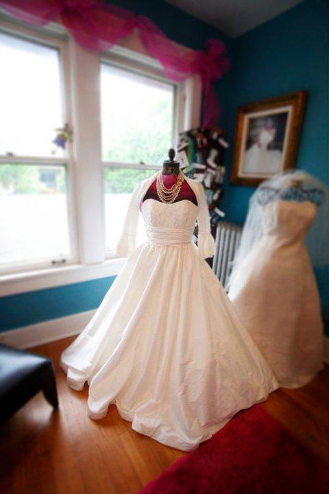 4a03d1fe3e Brand NEW Venus Bridal 8721 — The Barefoot Bride