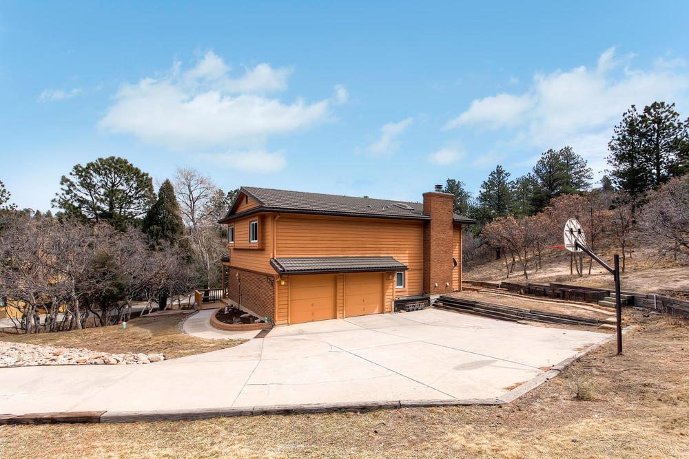 Sold // $399,900  Oak Hills Circle  Oak Hills