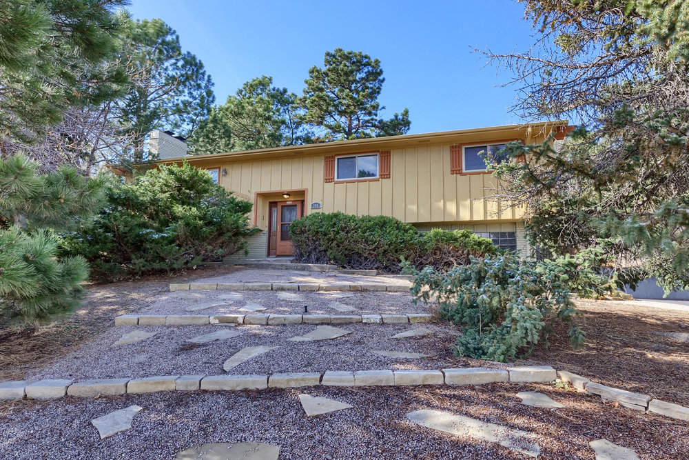 SOLD // $284,000  EAST WOODMEN ROAD  ROCKRIMMON RAVEN HILLS