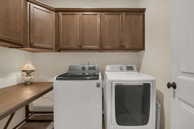 4544 Portillo Place Colorado-small-009-25-Laundry Room-666x445-72dpi.jpg