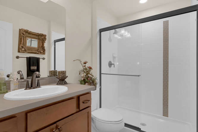 4544 Portillo Place Colorado-small-030-24-Bathroom-666x445-72dpi.jpg