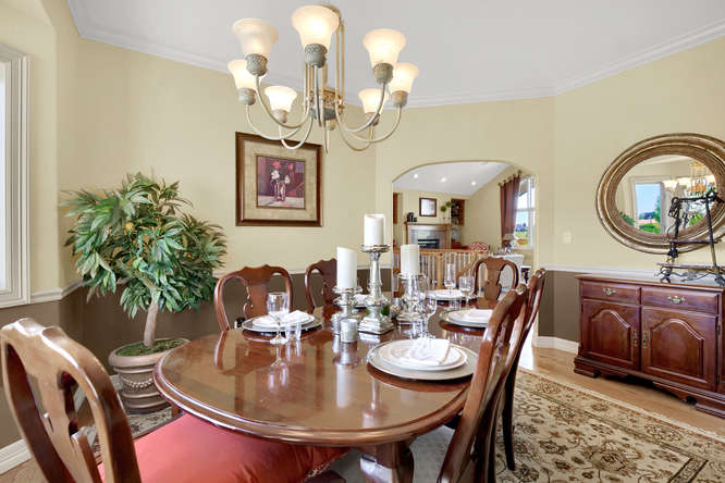 19624 Falcon Crest Ct Monument-small-022-33-Dining Room-666x445-72dpi.jpg