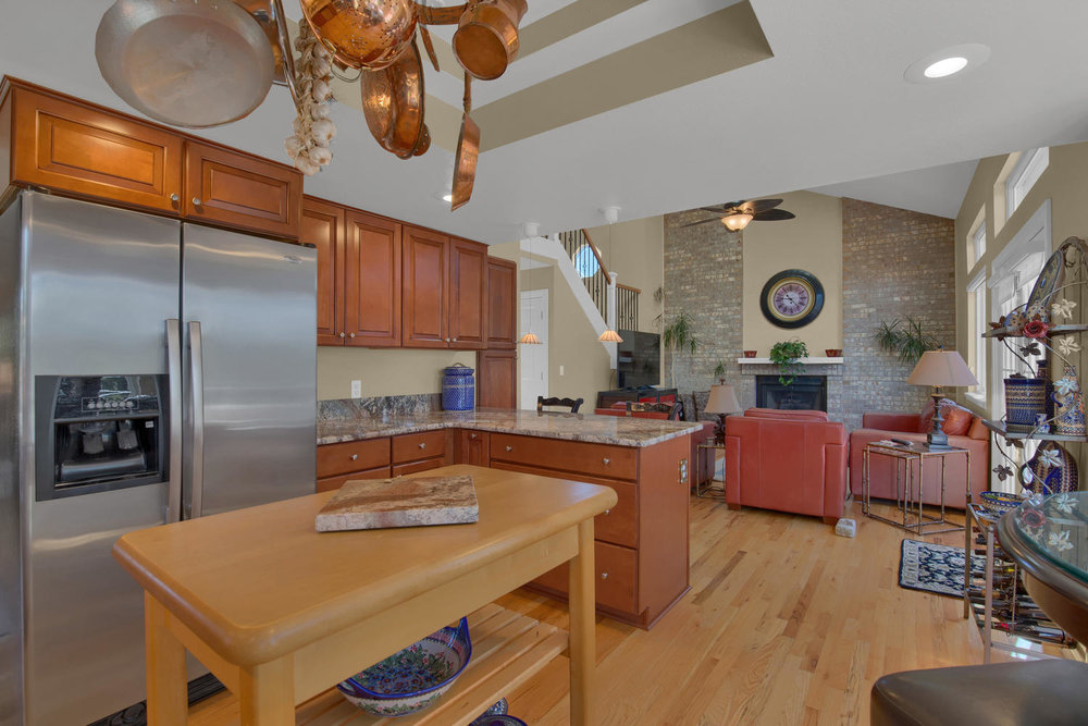 7495 Hickorywood Dr Colorado-large-022-18-Kitchen-1500x1000-72dpi.jpg