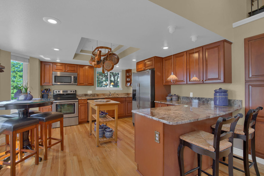 7495 Hickorywood Dr Colorado-large-023-28-Kitchen-1500x1000-72dpi.jpg