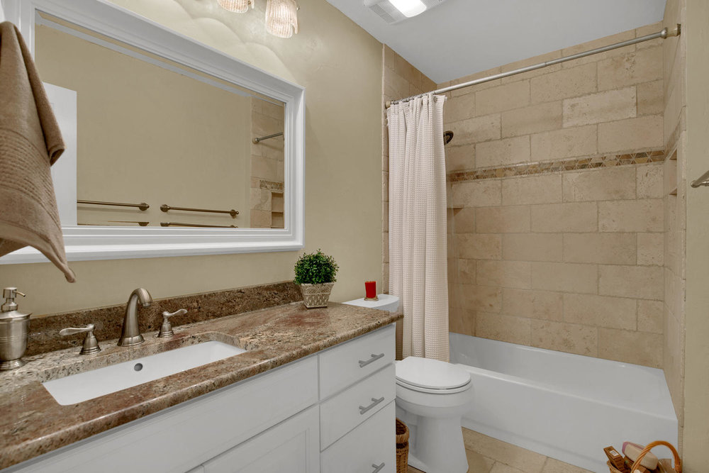 7495 Hickorywood Dr Colorado-large-033-26-Bathroom-1500x1000-72dpi.jpg