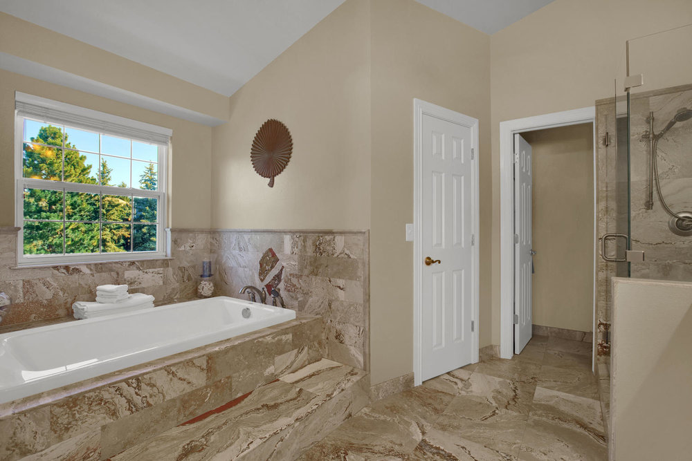 7495 Hickorywood Dr Colorado-large-037-11-Bathroom-1500x1000-72dpi.jpg