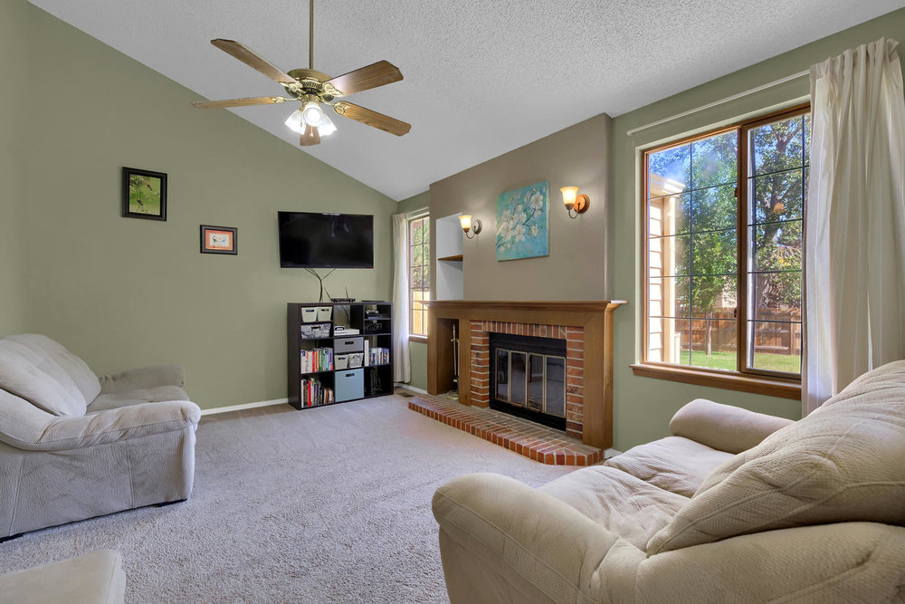 3563 Pennyroyal Lane Colorado-large-015-22-Family Room-1500x1000-72dpi.jpg