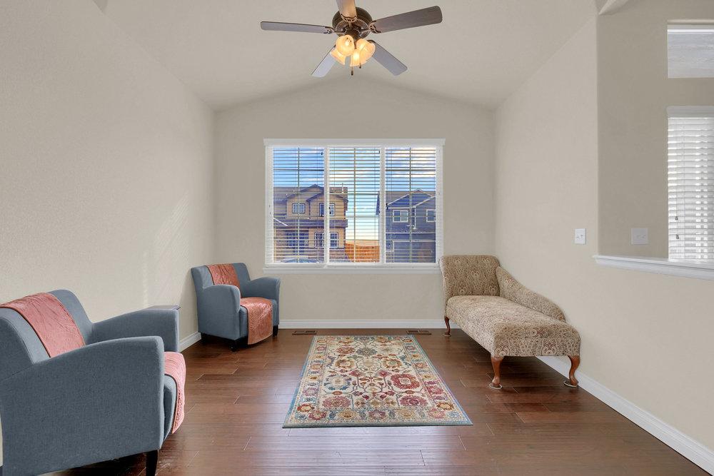 6250 San Mateo Dr Colorado-print-007-2-Living Room-2800x1867-300dpi.jpg