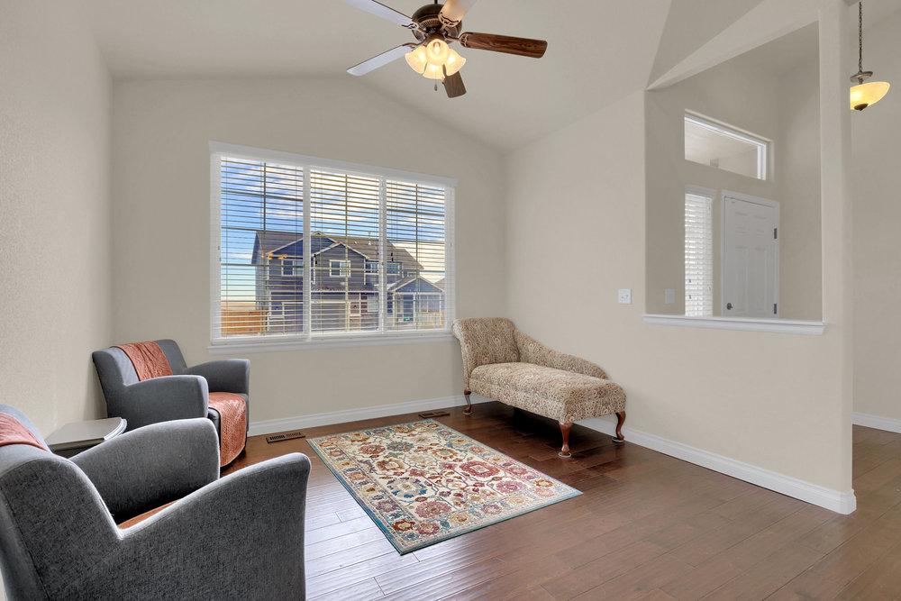 6250 San Mateo Dr Colorado-print-008-4-Living Room-2800x1867-300dpi.jpg