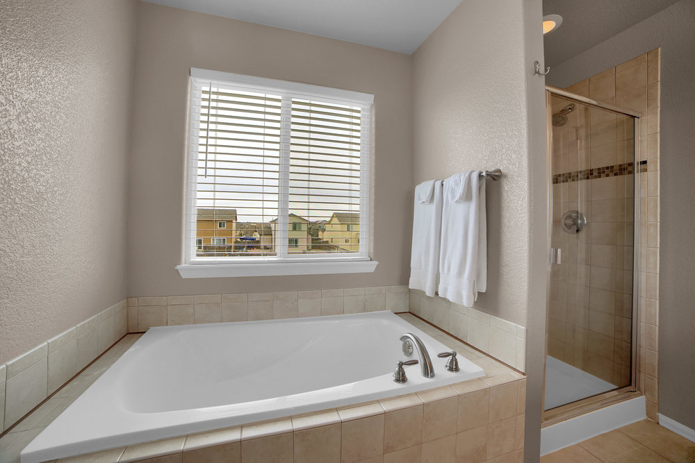 10421 Desert Bloom Way-print-026-5-Bathroom-3648x2432-300dpi.jpg