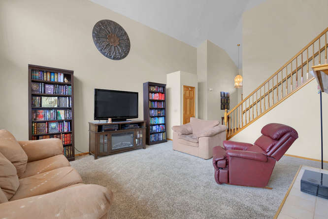 1147 Meadow Oaks Dr Colorado-small-016-21-Living Room-666x445-72dpi.jpg