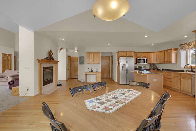 1147 Meadow Oaks Dr Colorado-small-021-32-Dining Room-666x445-72dpi.jpg