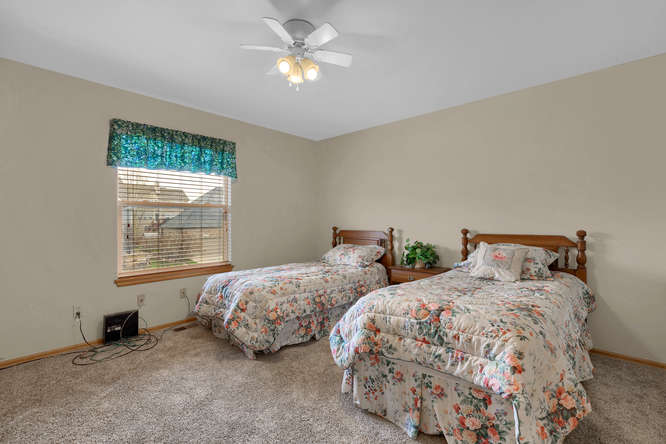 1147 Meadow Oaks Dr Colorado-small-031-16-Bedroom-666x445-72dpi.jpg