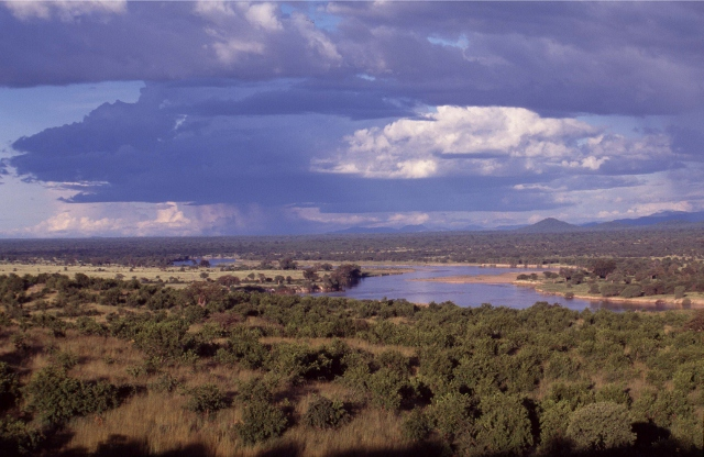 009-Ruaha River 1-TANAPA (640x416).jpg