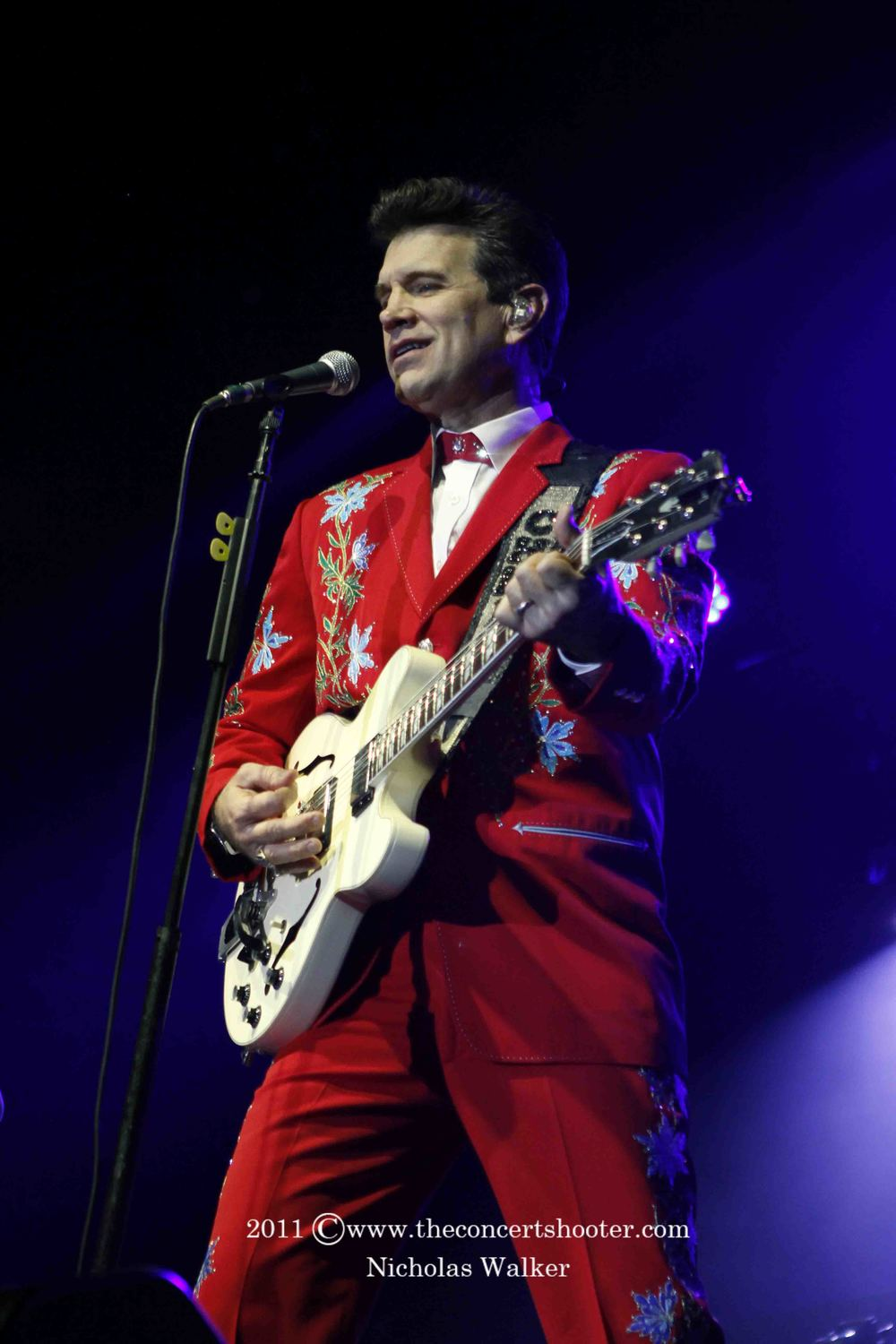 Chris Isaak (4).JPG