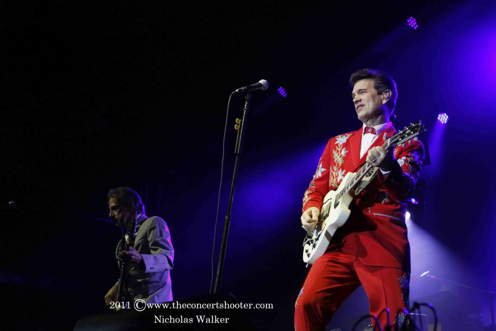 Chris Isaak (5).JPG