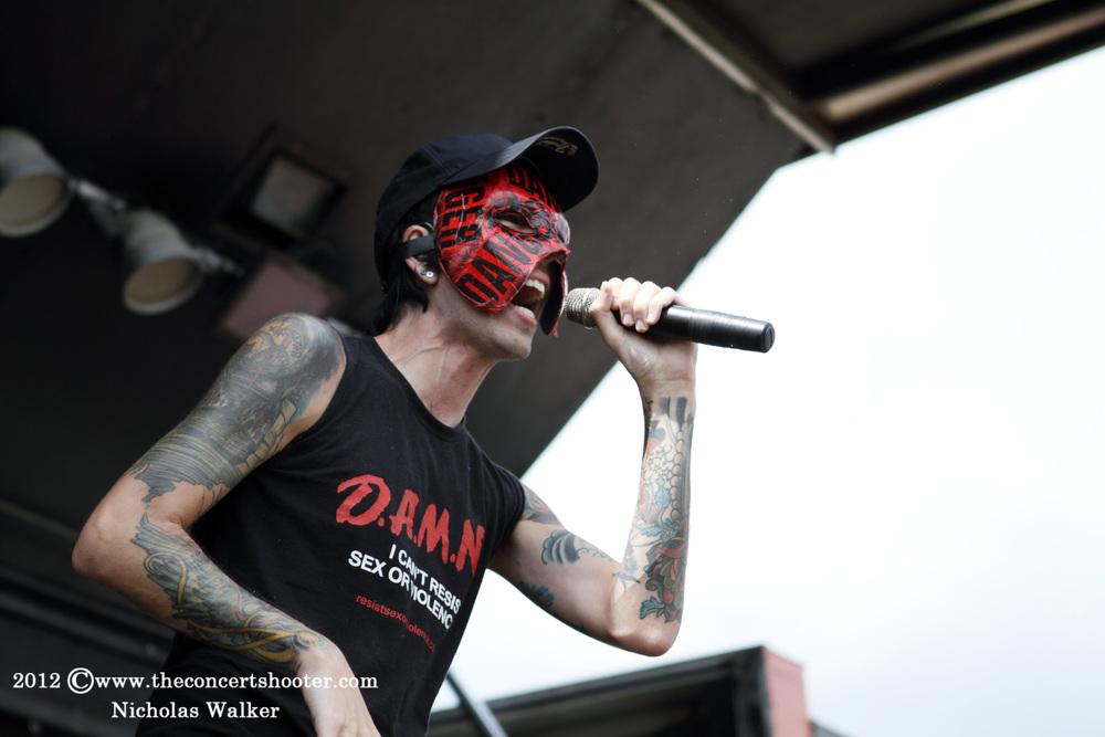 Deuce_Rockstar_Uproar_Tampa_9-13-2012_001.jpg