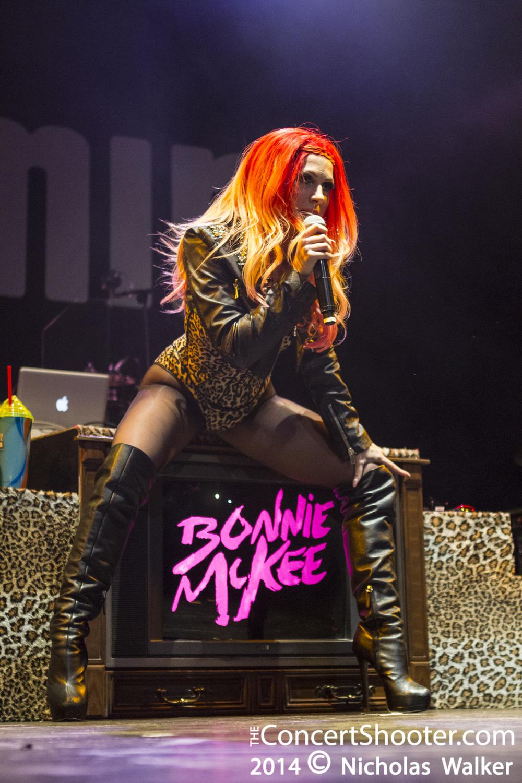 Bonnie_McKee_HOB_Orlando_4-13-2014_186.jpg