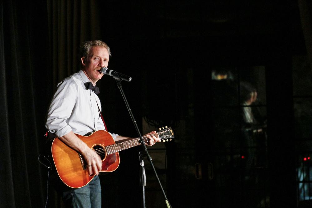 Chris_Barron_of_Spin_Doctors_Velvet_Unplugged_Orlando_11-9-2011_019.jpg