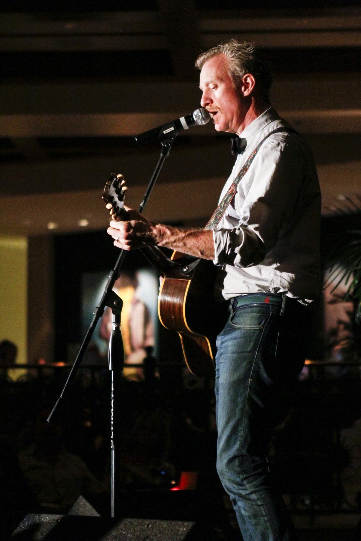 Chris_Barron_of_Spin_Doctors_Velvet_Unplugged_Orlando_11-9-2011_066.jpg