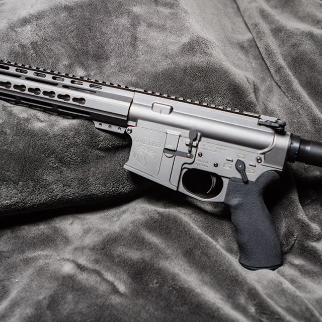 """My newest freedom stick. LF223 18"""" SS Precision made by @livefreearmory . 416 SS fluted .223 Wylde. Billet lower/forged upper. I'll equip accessories this week. #livefreearmory #gunfanatics #guns #gunporn #gunsdaily #dailybadass #pewpew #pewpewlife #molonlabe #weaponsdaily #223 #556 #tacticool"""