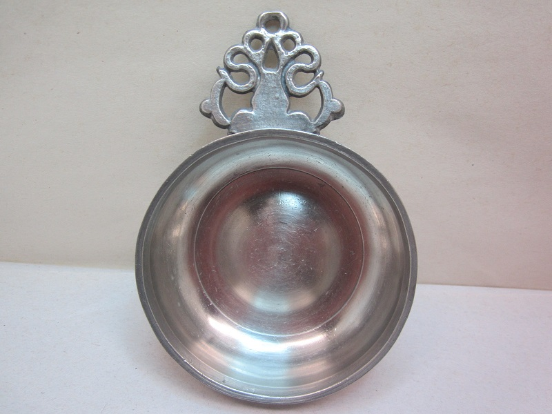 boardman 'old english' porringer  item #10-504