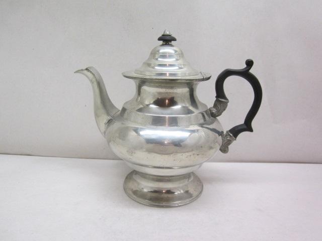 mcquilkin philadelphia teapot  item #10-748