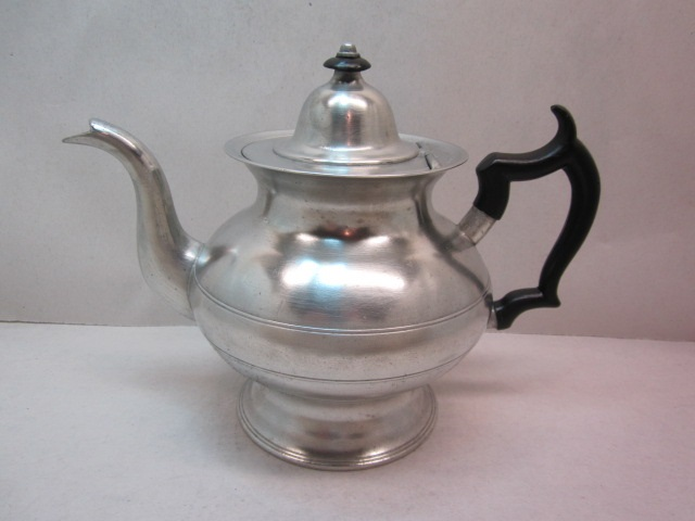 boardman 'warranted' teapot item #2-784
