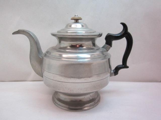 ashbil Griswold teapot item #7-825