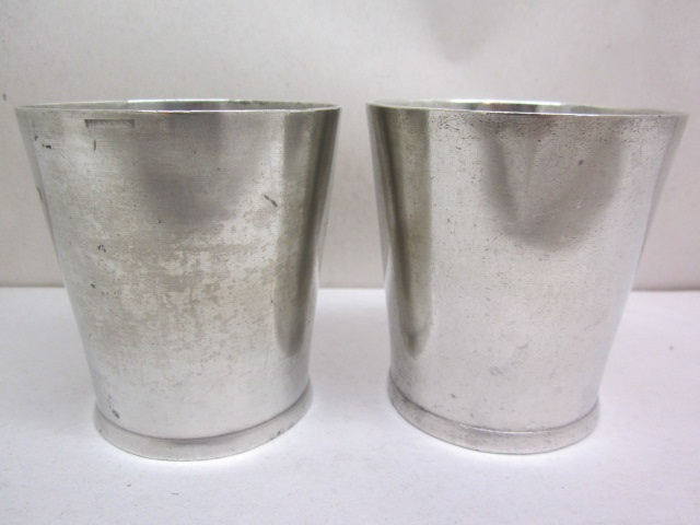 pair of Hamlin beakers  item #10-871
