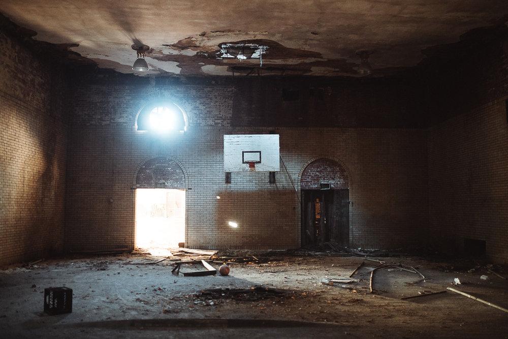 001-Abandoned_School.jpg