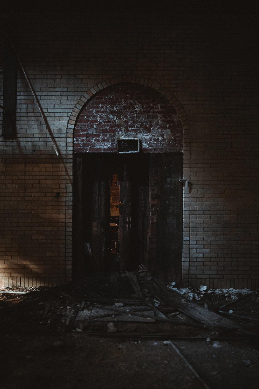 003-Abandoned_School.jpg
