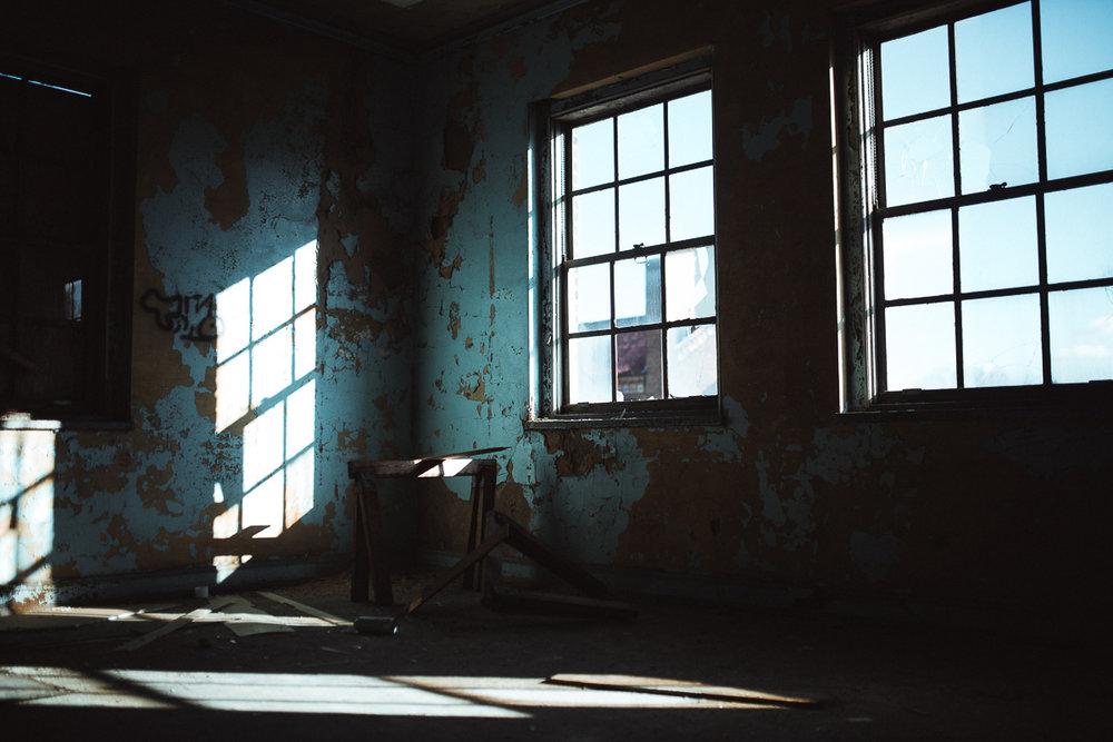 007-Abandoned_School.jpg