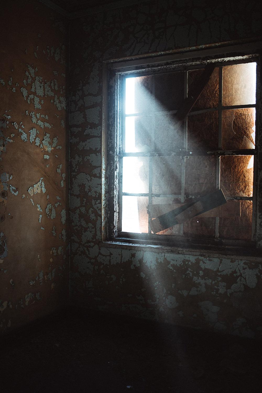 014-Abandoned_School.jpg