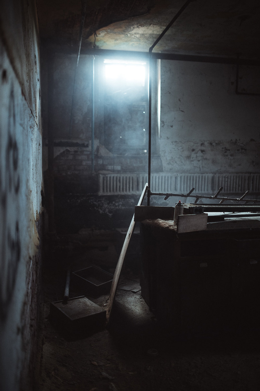 019-Abandoned_School.jpg