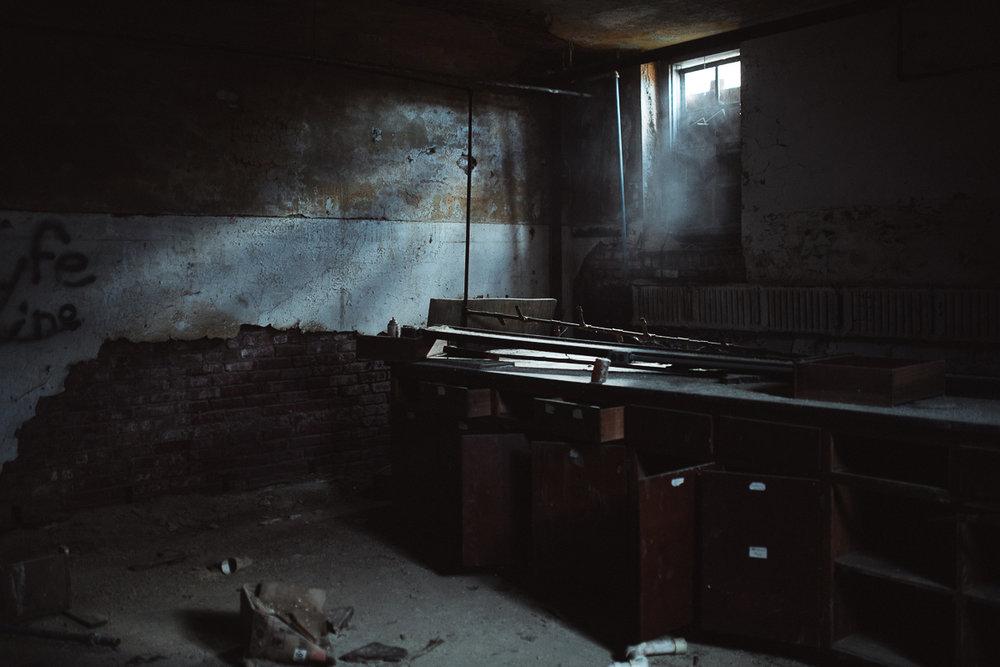 022-Abandoned_School.jpg