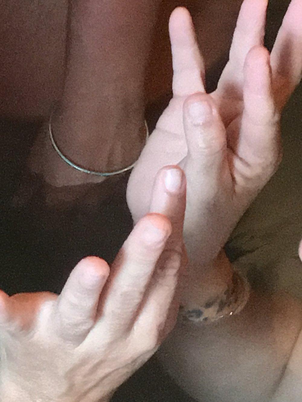 IMG_0663 qiball fingers up.jpg